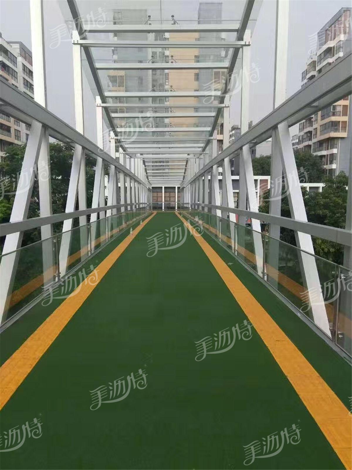 天桥使用路面防滑材料好处