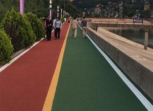 彩色沥青路面优异的耐候性、耐磨性、抗开裂性