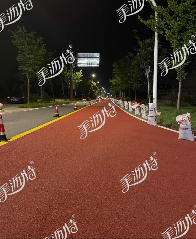 彩色防滑路面粘合剂的准备工作